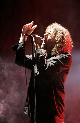 Saint-Cloud, FRANCE:  British singer Robert Plant performs during the 3rd edition of the Rock-en-Seine Music Festival, in Sai