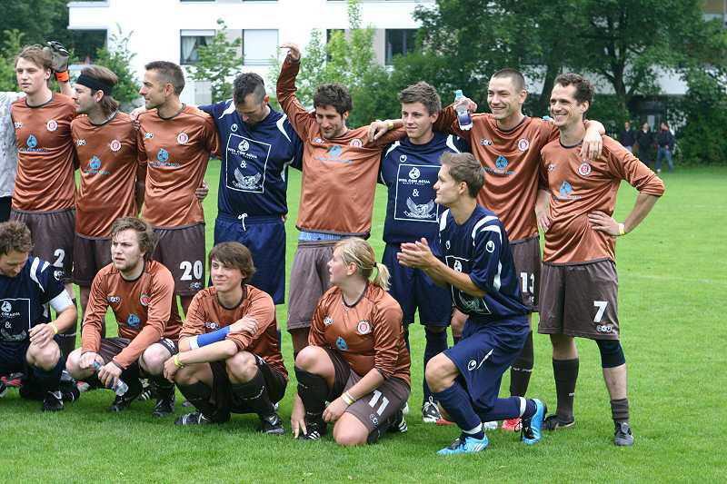 Schandmaul beim Benefiz-Fußballspiel, 02.06.2011