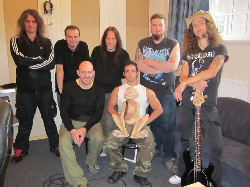 Blind Guardian mit ihren kanadischen Gästen im Twilight Hall Studio