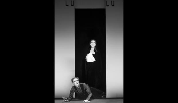 Szenenbild aus dem Theaterstück LULU