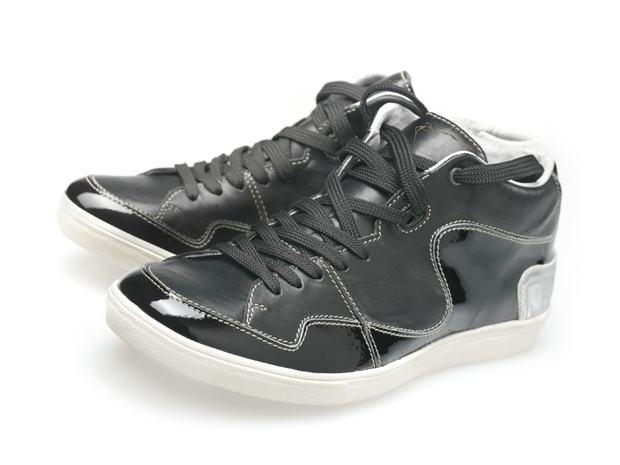 Sneakers von Textures, Design by Floris van Bommel