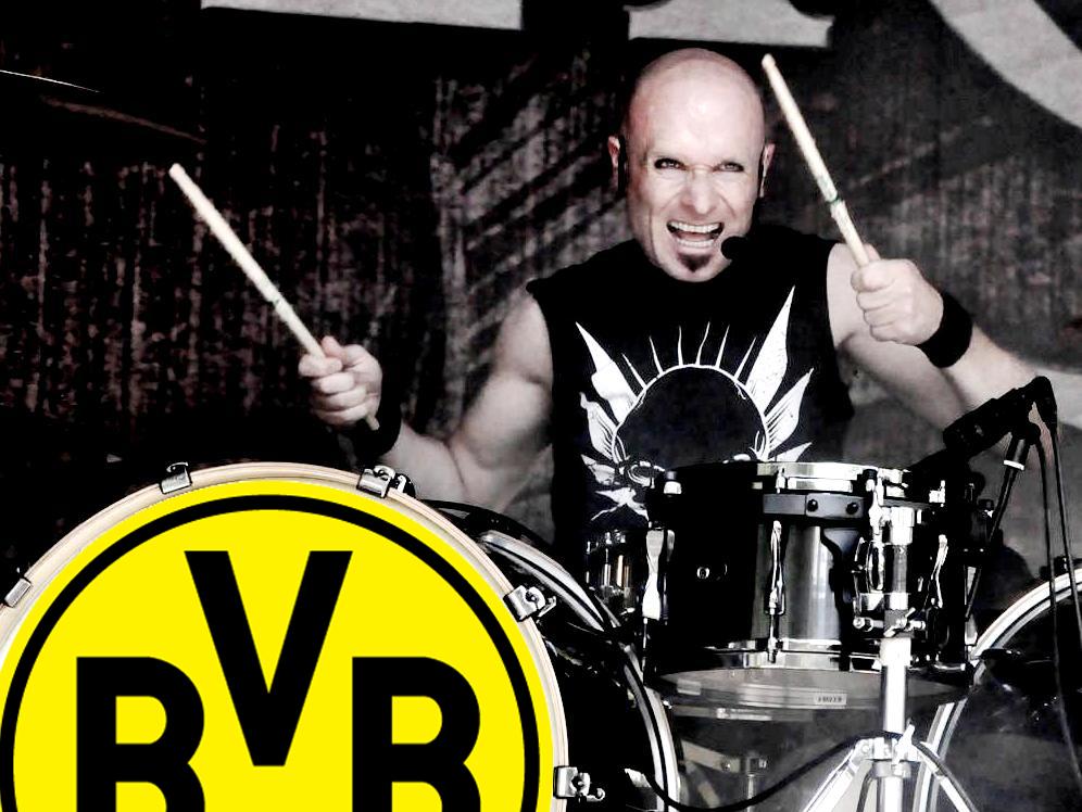 Krypteria, Schlagzeuger S.C. Kuschnerus, Dortmund-Fan