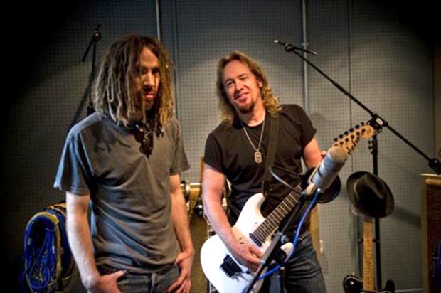 Primal Rock Rebellion, Promo Bild