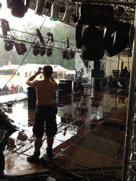 Die Bühne steht unter Wasser, Kreator müssen ihren Auftritt beim Metalfest Österreich 2012 absagen