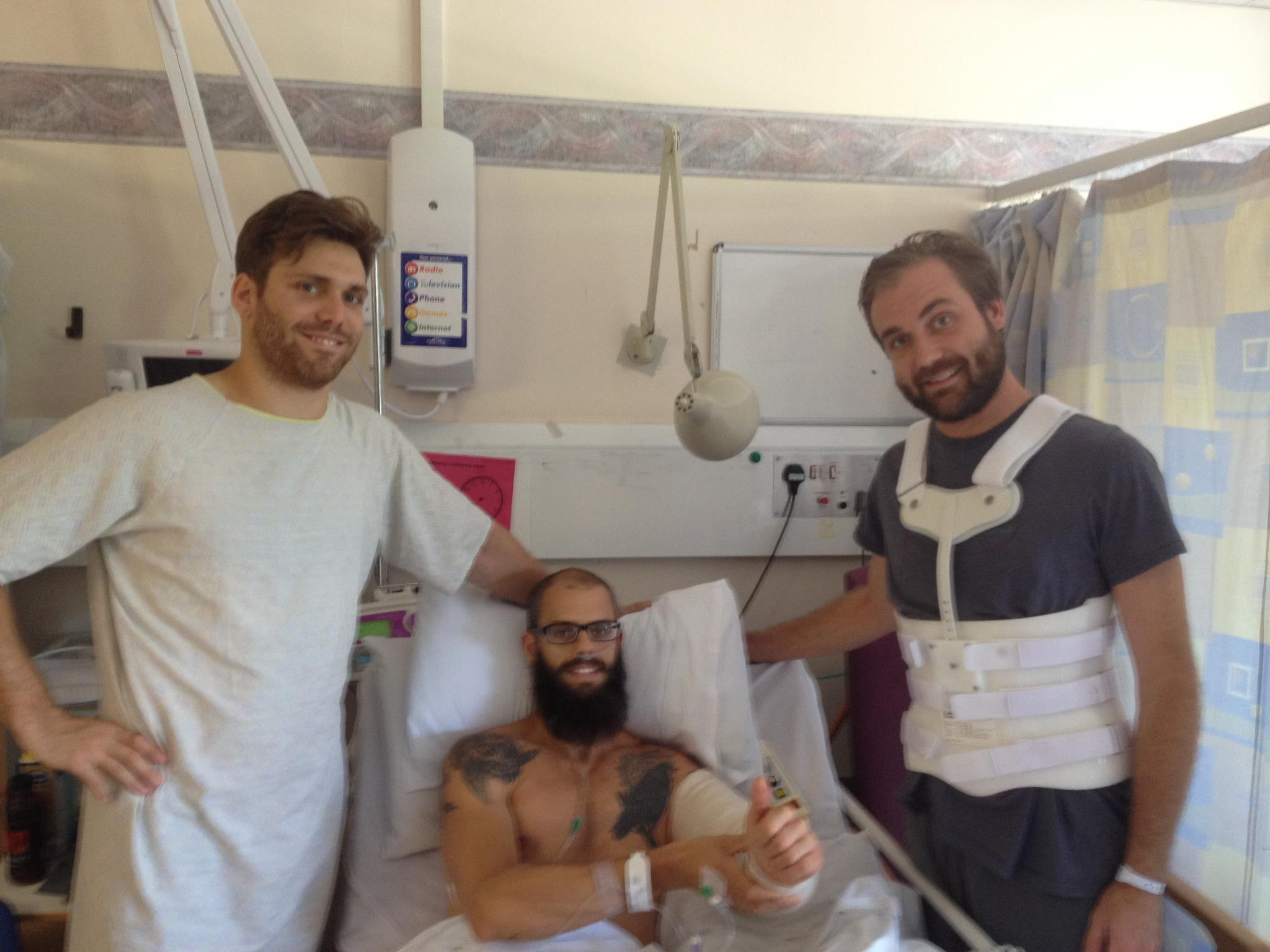 Baroness melden sich nach dem Unfall aus dem Krankenhaus