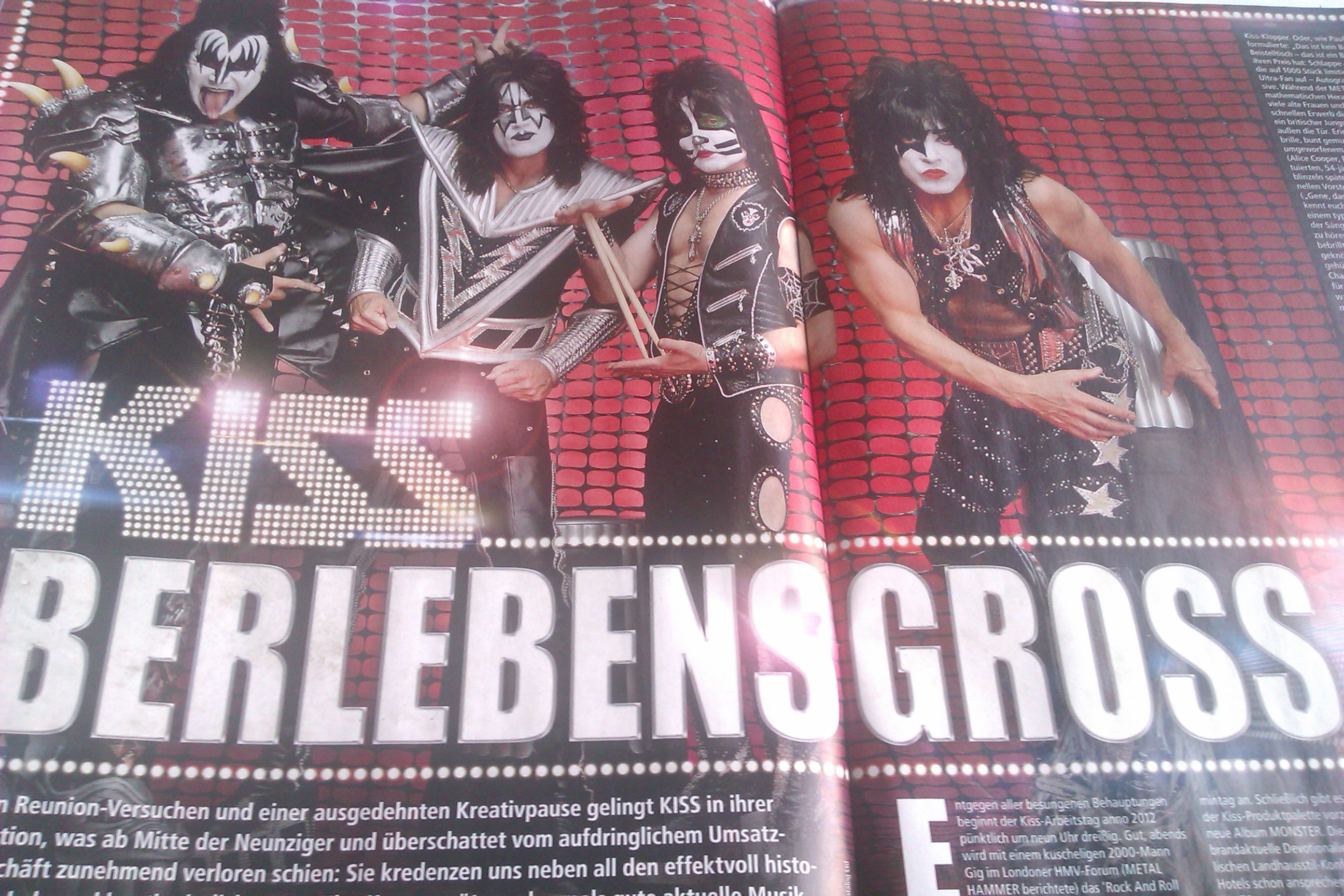 Kiss in METAL HAMMER-Ausgabe 10/2012