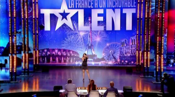 Death Metal-Sängerin Rachel Aspe beim französischen Supertalent