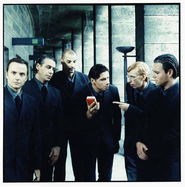Rammstein, Pressebild 2011, entstanden 1998