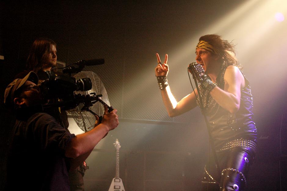 Alpha Tiger beim Dreh ihres ersten Videos 'From Outer Space'