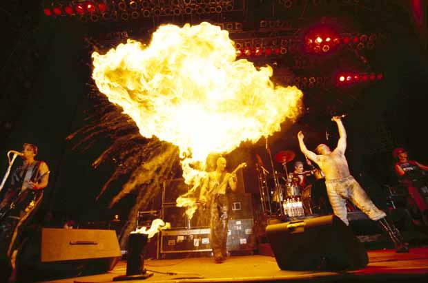 Rammstein, Pressebild 2011, entstanden 1999