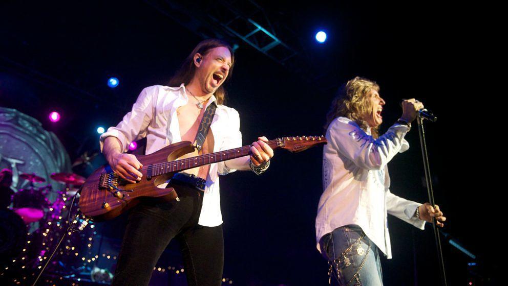 LONDON, UNITED KINGDOM - DECEMBER 05: Reb Beach and David Coverdale of Whitesnake perform on stage at HMV Forum on December 5