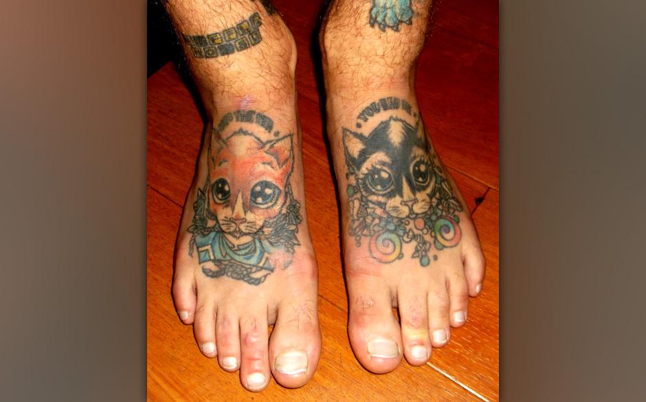 Parkway Drive-Sänger Winston McCall zeigt seine Tattooss