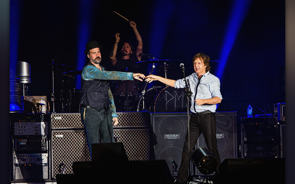SEATTLE, WA - JULY 19:  (L-R) Krist Novoselic, Dave Grohl and Paul McCartney perform on stage with Sir Paul McCartney (R) at