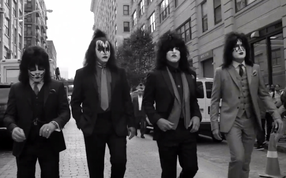 Kiss in Varvatos-Anzügen