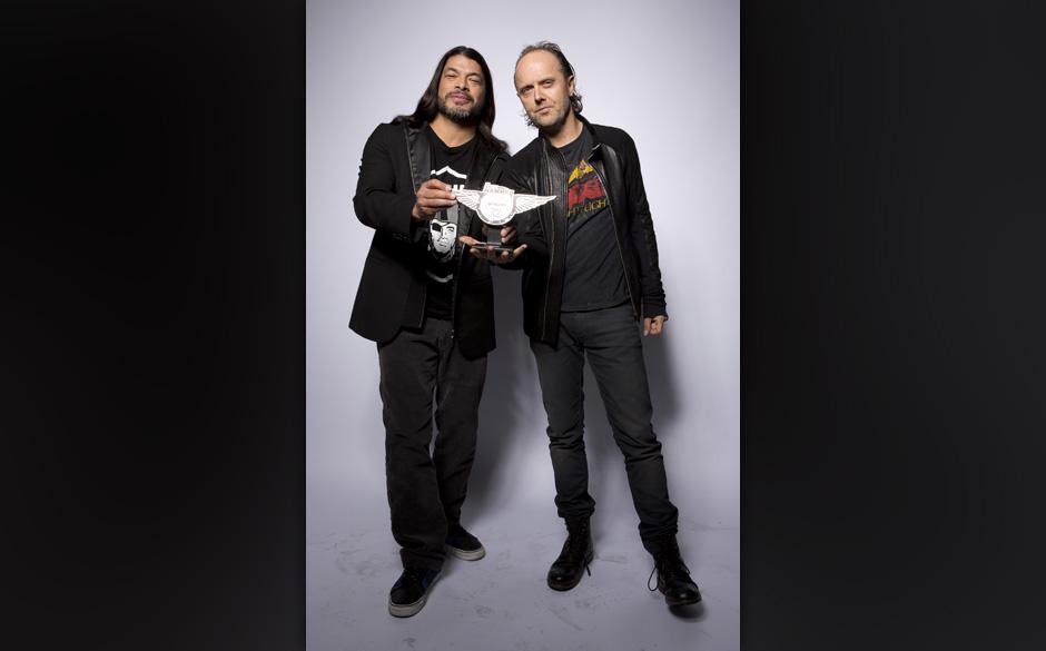 Neben der Premiere ihres 3D-Films 'Through The Never' fanden Robert Trujillo und Lars Ulrich die Zeit, ihren Preis als beste