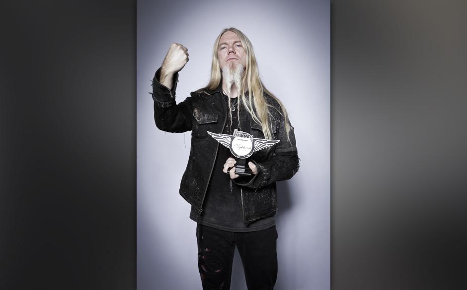 Marco Hietala von Nightwish nahm für seine Band den Preis als beste internationale Band entgegen.