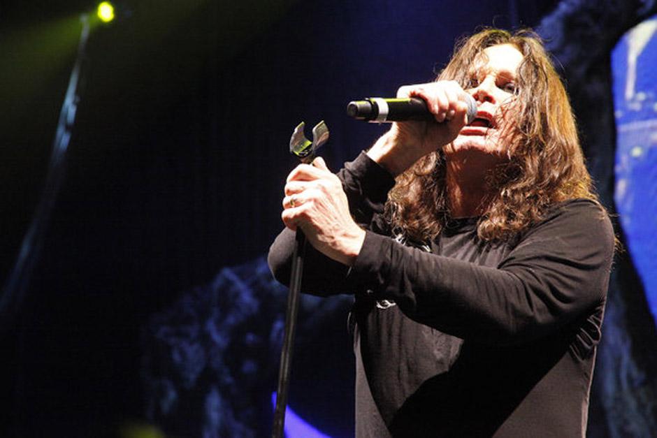 Black Sabbath *** Local Caption *** (News-Item): Black Sabbath are seen here in concert in Philadelphia's Wells Fargo Center.
