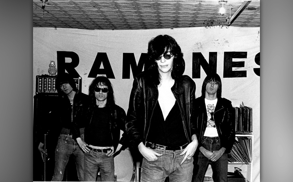 UNITED STATES - JANUARY 01:  Photo of Tommy RAMONE and RAMONES and Dee Dee RAMONE and Johnny RAMONE; L-R. Dee Dee Ramone, Tom