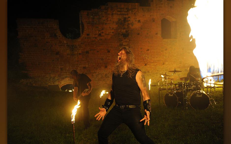 Beim Videodreh zu Amon Amarths 'Deceiver Of The Gods'