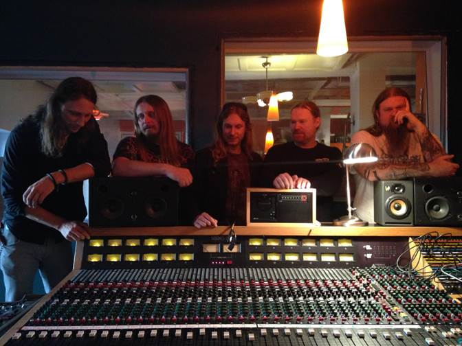Enslaved in ihrem Studio