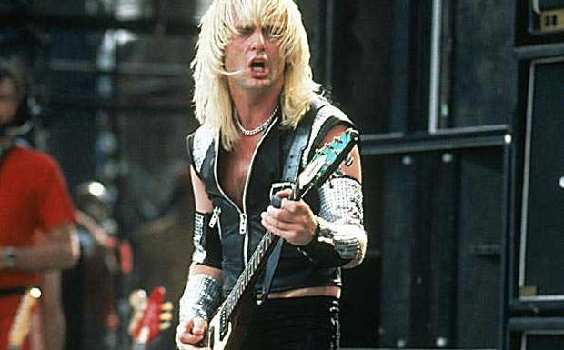KK Downing von Judas Priest live 1982