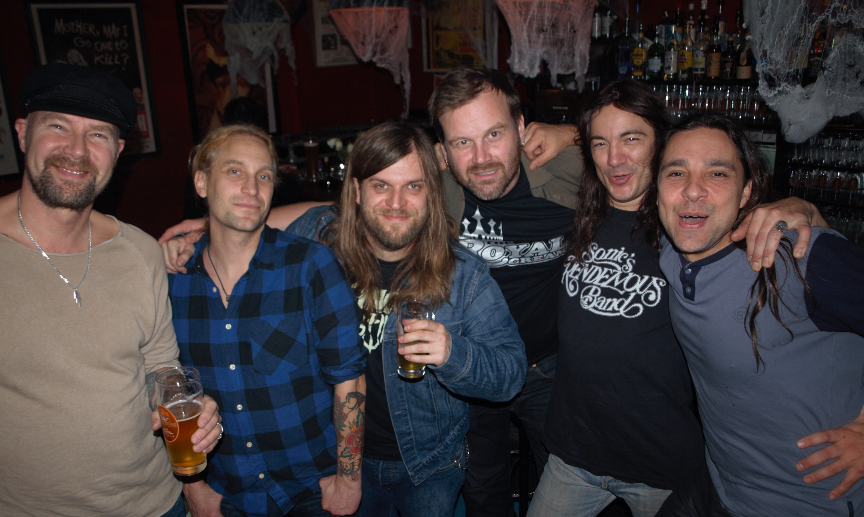 Packe, Andreas, Metal Hammer-Autor Ben, Mattias, Kurt und Tero.