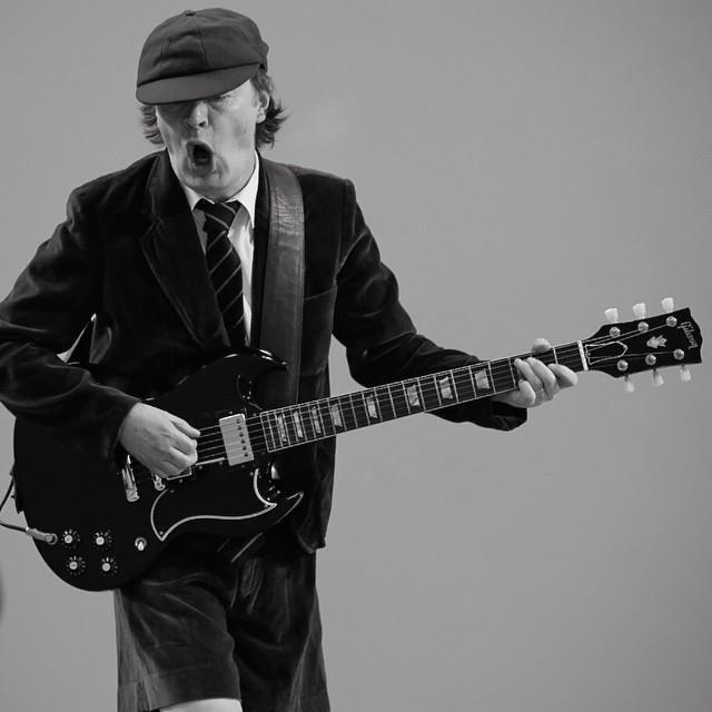 AC/DC beim Videodreh zu 'Play Ball'