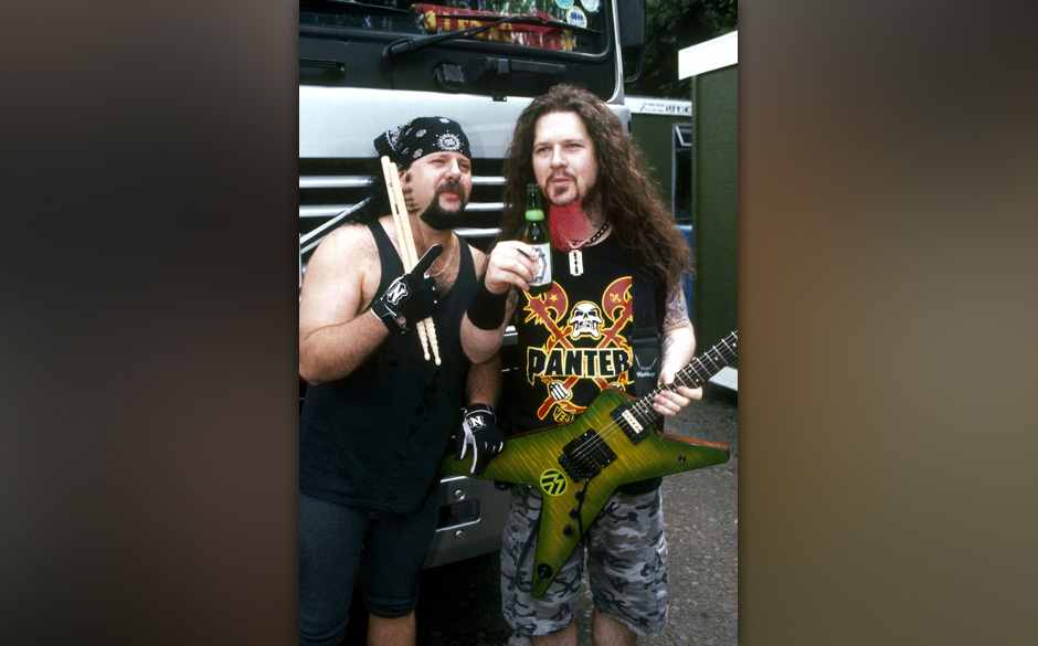 UNSPECIFIED - JANUARY 01:  Photo of Dimebag DARRELL and Vinnie PAUL and PANTERA; Vinnie Paul and Dimebag Darrell, posed, with