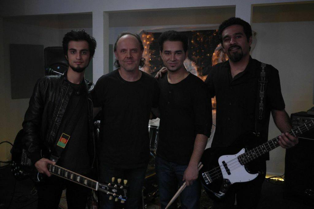 Kabul Dreams und Lars Ulrich am Set von 'Radio Dreams'