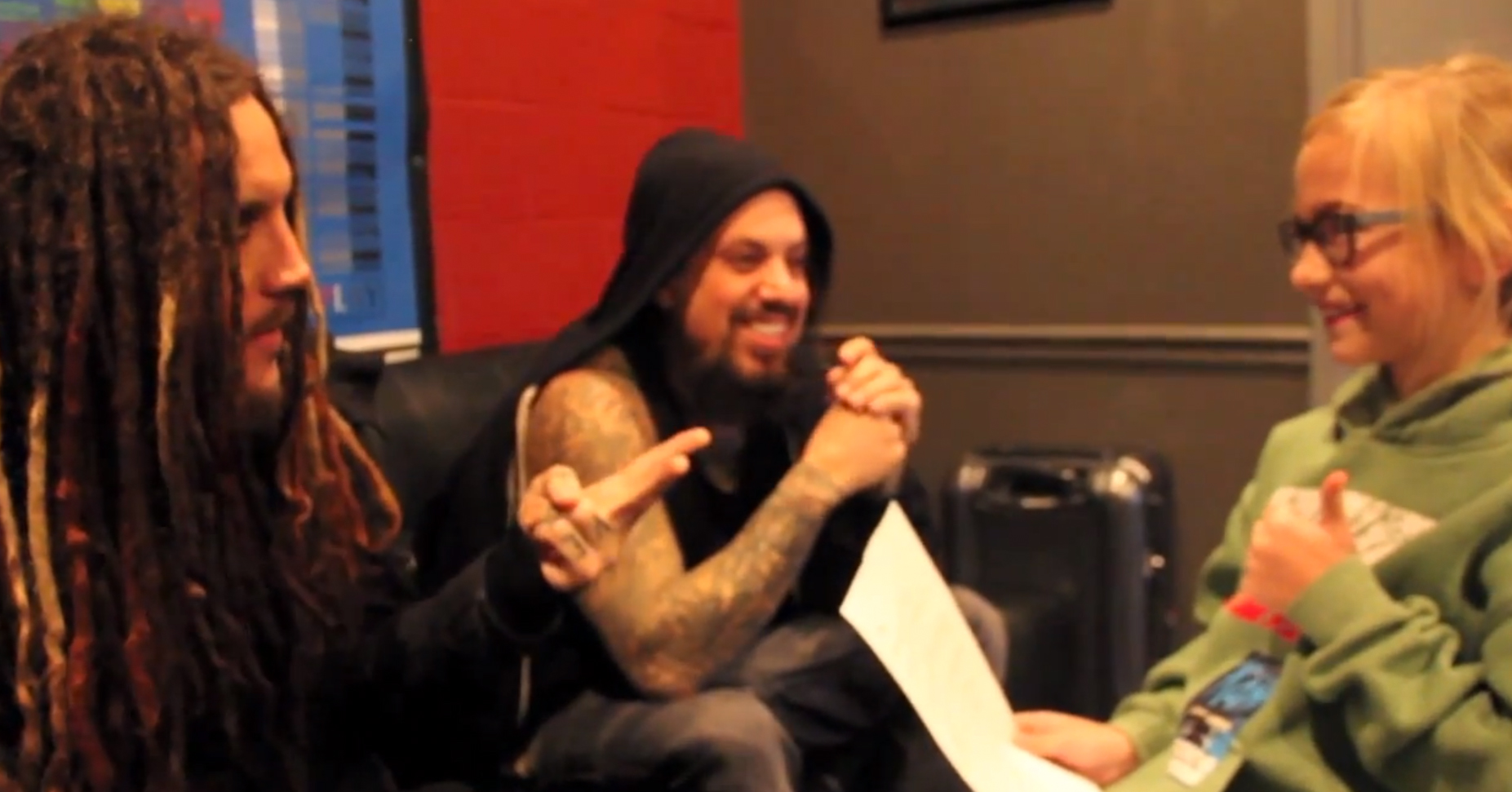 Piper interviewt Korns Brian 'Head' Welch und Reginald 'Fieldy' Arvizu