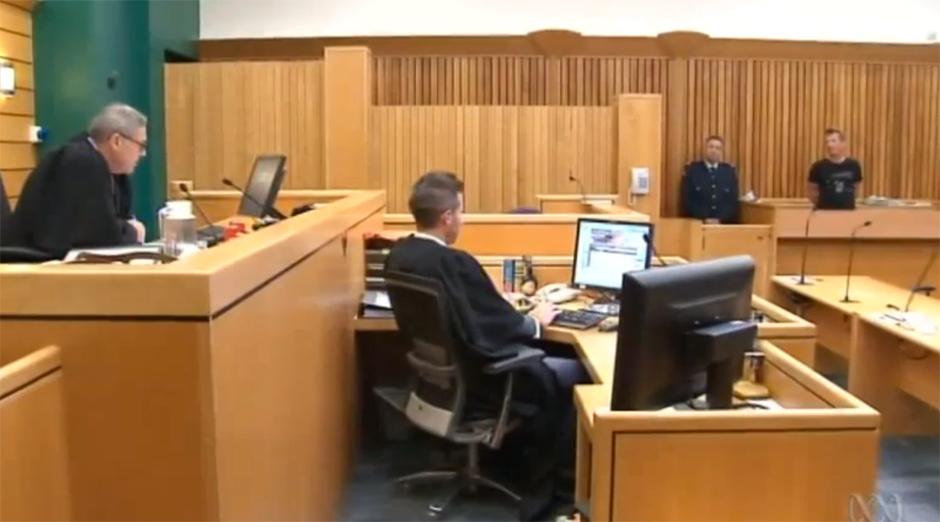 Phil Rudd vor dem Hohen Gericht in Tauranga (26.11.14)