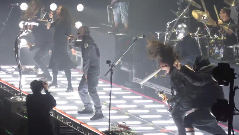 Slipknot & Korn covern Beastie Boys 'Sabotage