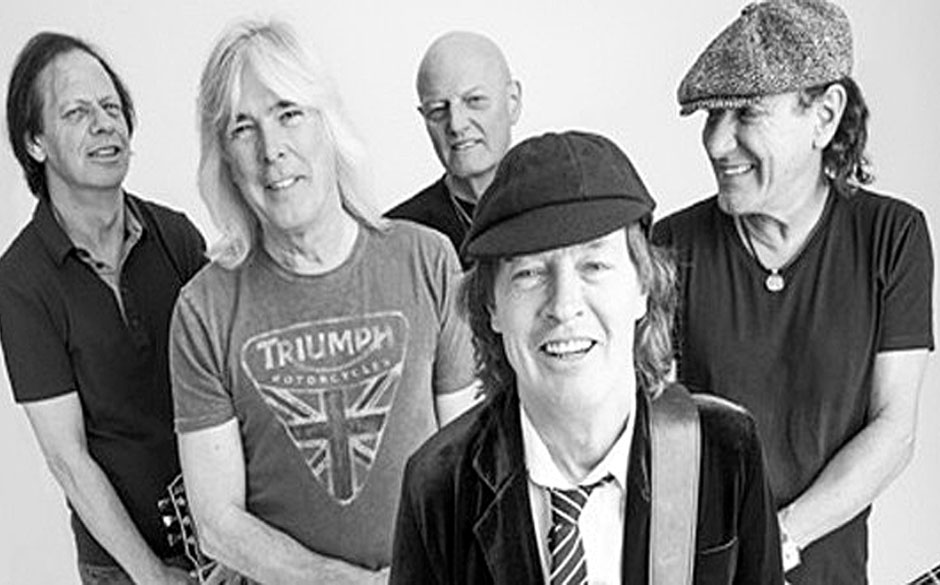 AC-DC-Line-Up 2015: Stevie Young, Cliff Williams, Chris Slade, Angus Young, Brian Johnson (v.l.n.r.)