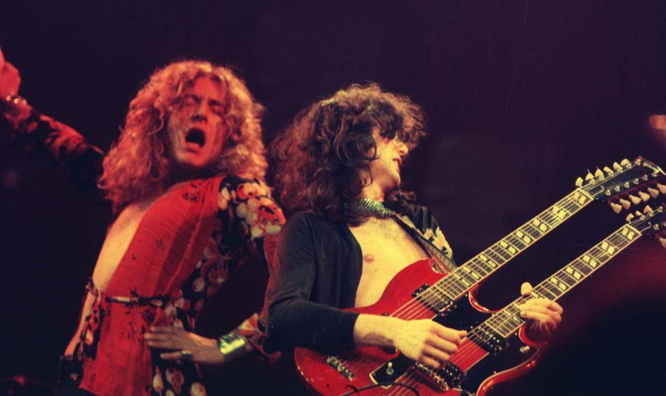 Robert Plant (l.) und Jimmy Page von Led Zeppelin im Chicago Stadium
