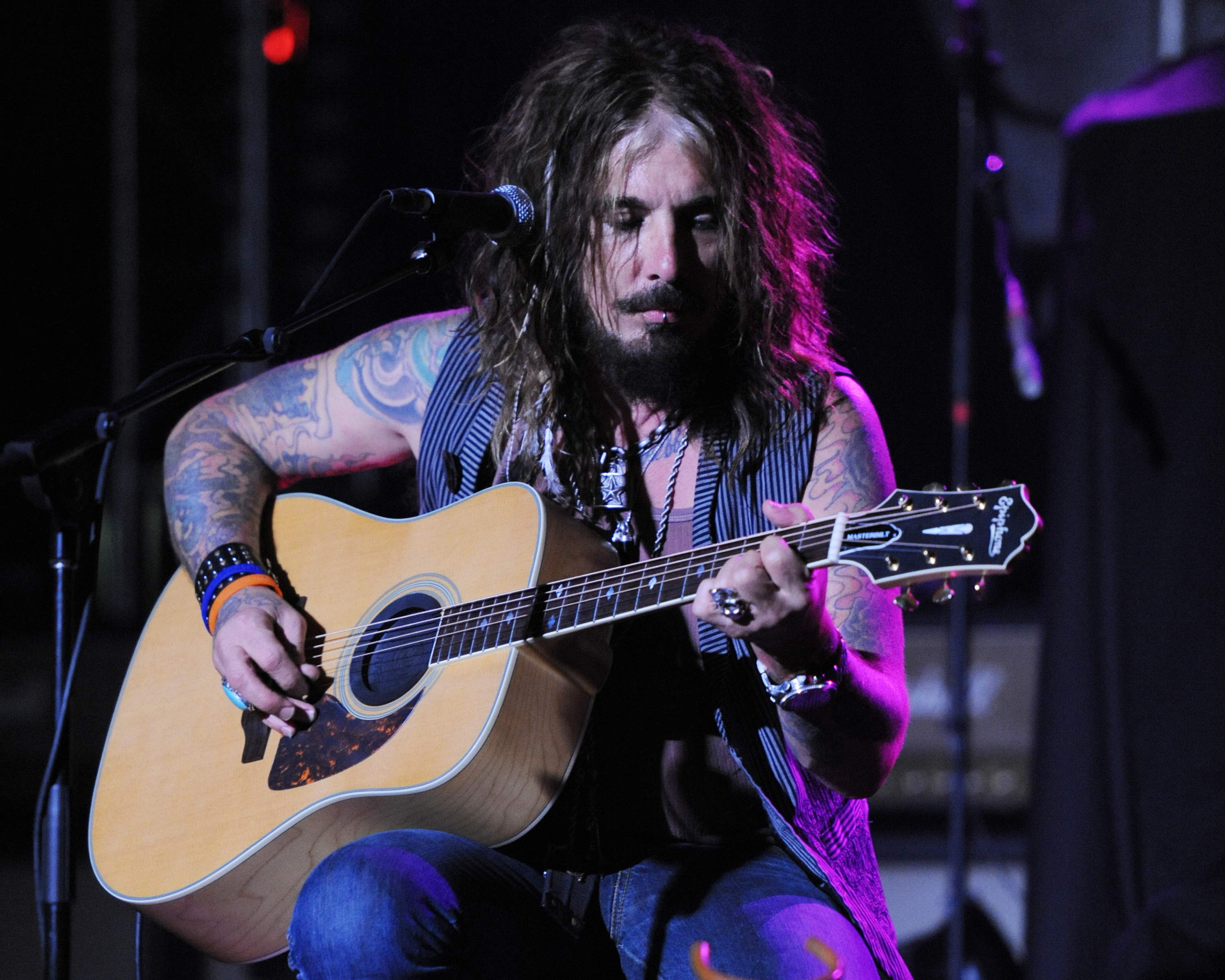 FORT LAUDERDALE, FL - JULY 31: John Corabi performs at Revolution on July 31, 2011 in Fort Lauderdale, Florida. (Photo by Lar