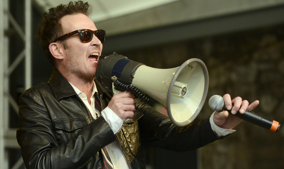 AUSTIN, TX - MARCH 21:  Scott Weiland of Scott Weiland and the Wildabouts performs during the #SXSWTakeover at ACL Live on Ma