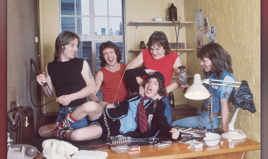 AC/DC (1976)