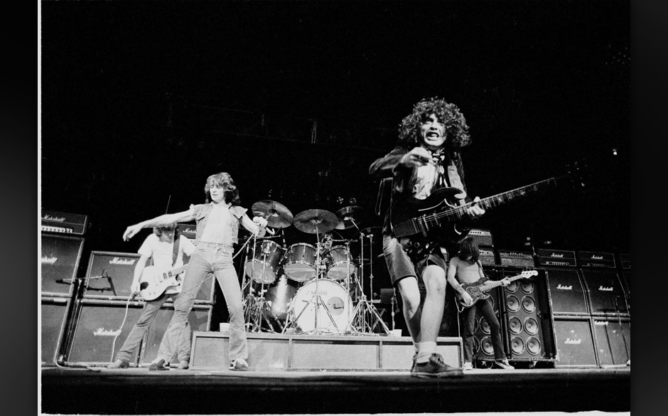AC/DC with original singer Bon Scott New York 1979