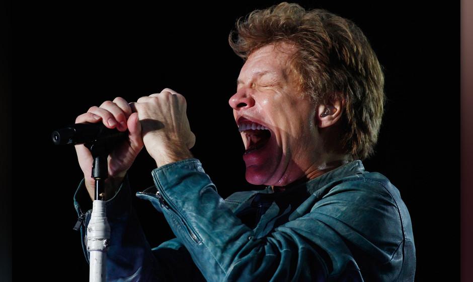 SYDNEY, AUSTRALIA - DECEMBER 14:  Jon Bon Jovi of Bon Jovi performs live for fans at ANZ Stadium on December 14, 2013 in Sydn
