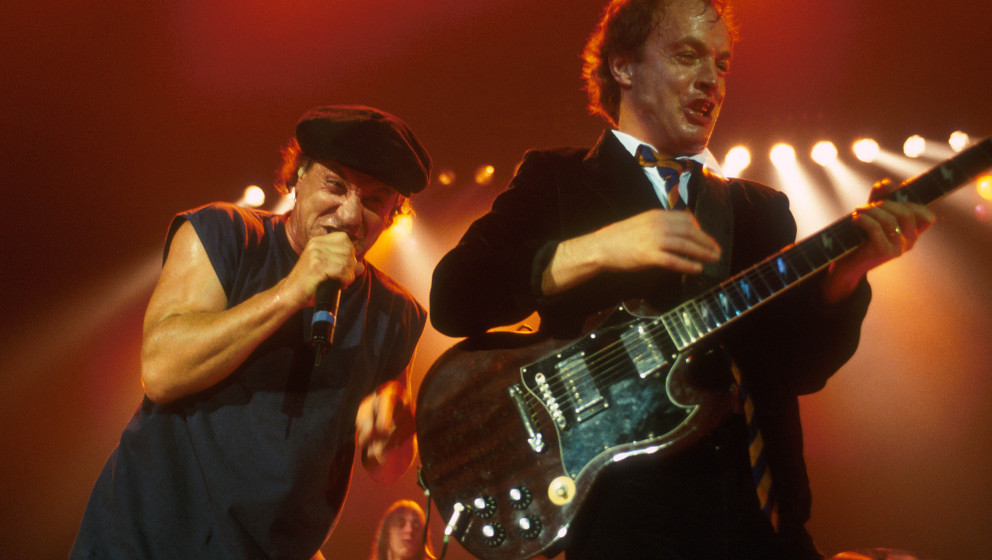 GERMANY - JUNE 17:  MUNICH CIRCUS KRONE CLUB  Photo of AC/DC and Brian JOHNSON and Angus YOUNG and AC DC, L-R: Brian Johnson,