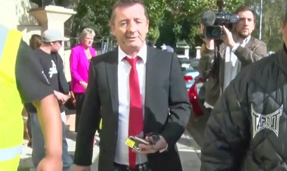 Phil Rudd (Ex-AC/DC) bei seinem Gerichtstermin am 21. April 2015