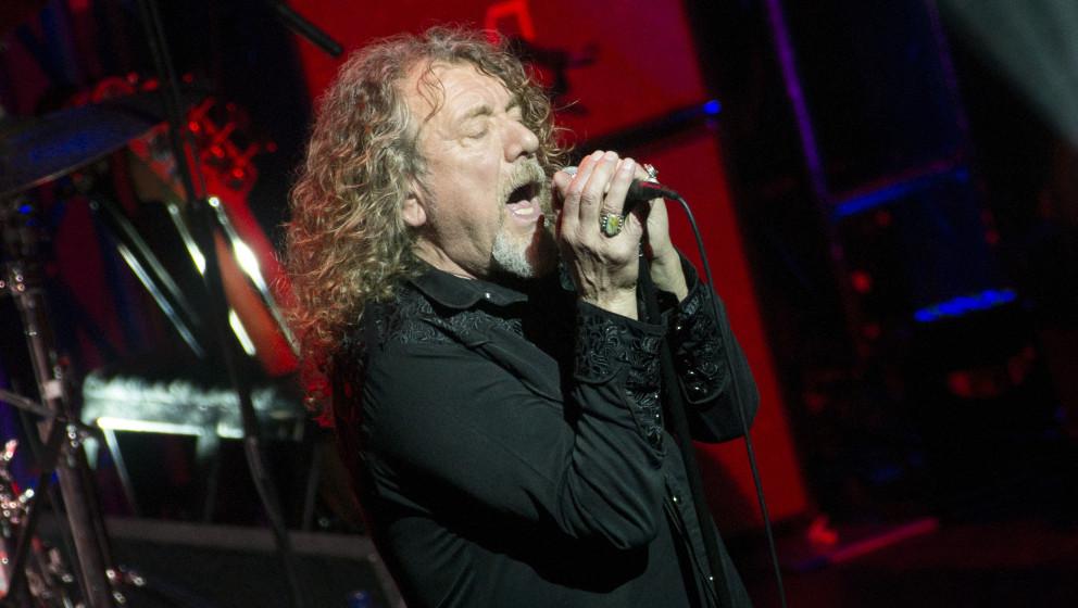 GLASGOW, UNITED KINGDOM - NOVEMBER 15: Robert Plant performs on stage at O2 Academy on November 15, 2014 in Glasgow, United K
