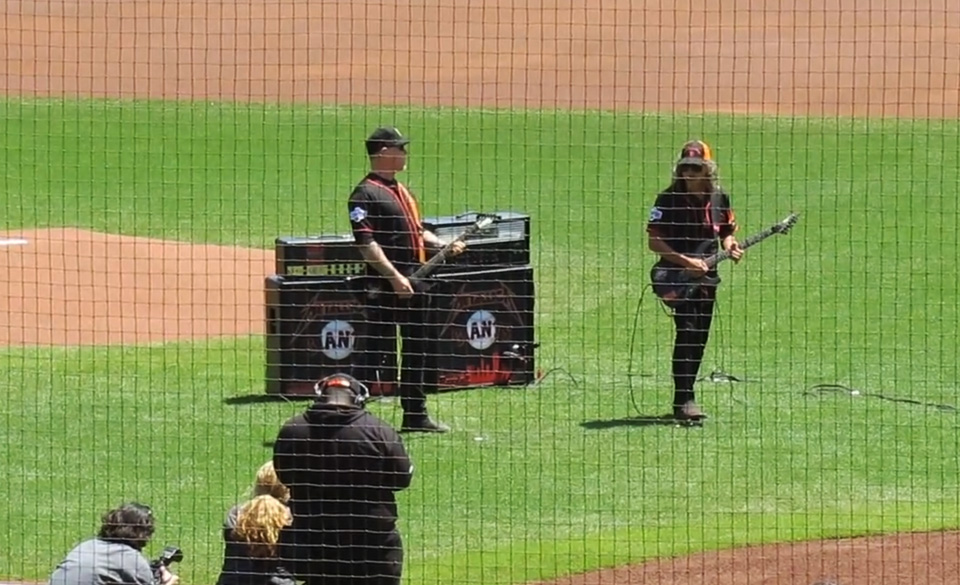 Metallica spielen Nationalhymne für die San Francisco Giants