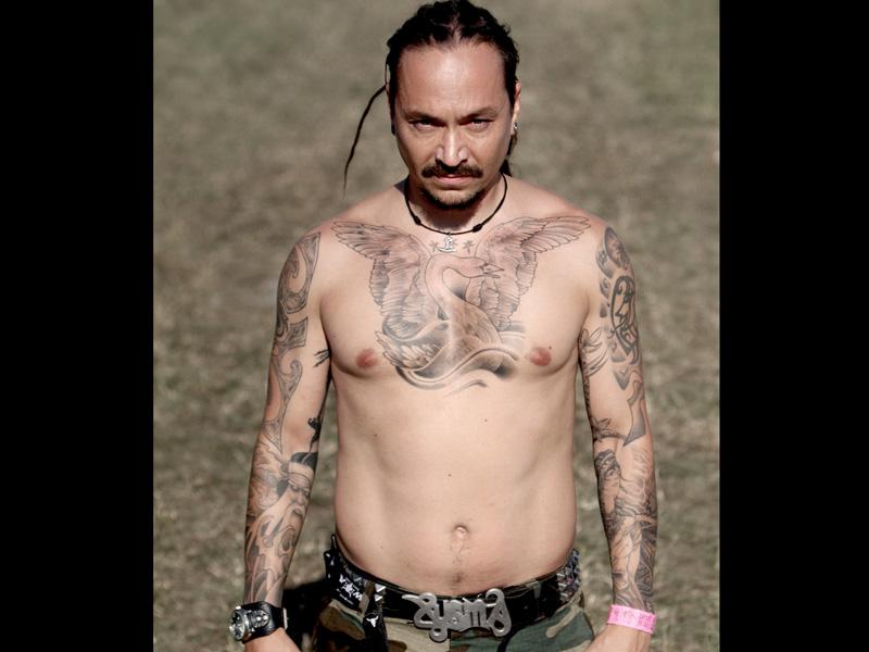 Amorphis, Sänger Tomi Joutsen und seine Tattoos