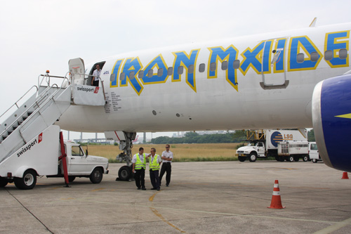 Iron Maiden und ihre Ed Force One