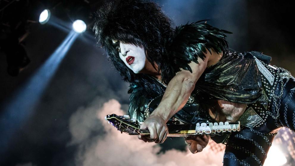 Wenn Kiss zum Maskenball laden ist der METAL HAMMER-Tross natürlich nicht weit. Seht hier die Stimmen zum Konzert in Berlin!
