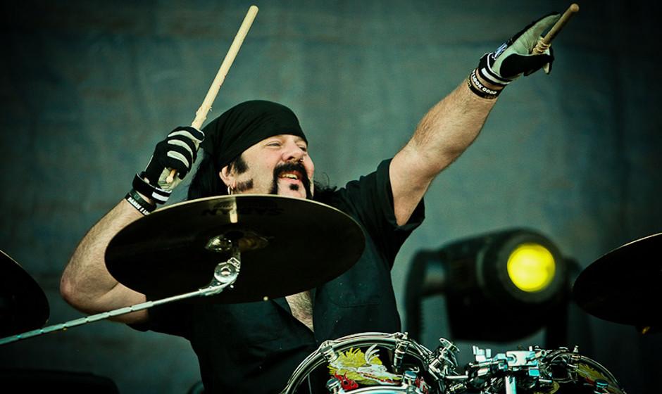 Vinnie Paul mit Hellyeah beim Nova Rock 2013