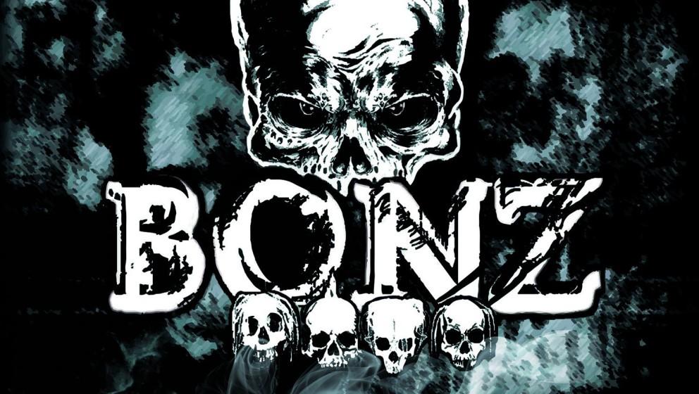 Bonz - BROKEN SILENCE  Besonders negativ fiel im März allerdings Rapper und Sänger Bonz (Stuck Mojo) mit seinem völlig mis