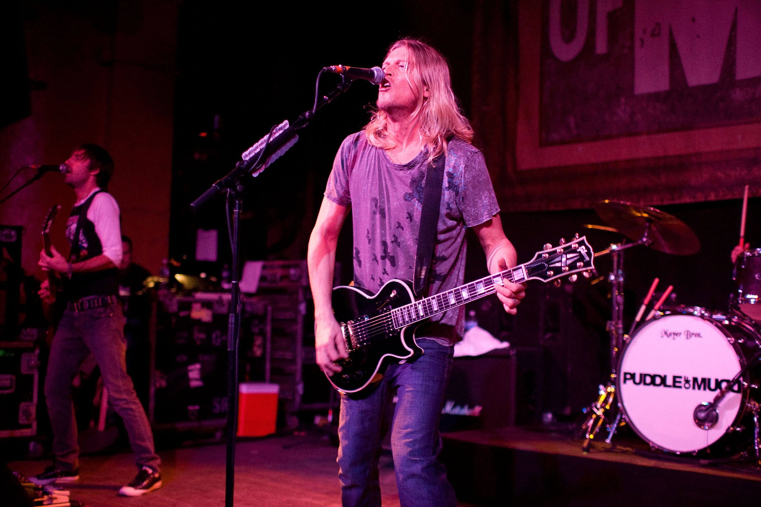 Wes Scantlin of Puddle Of Mudd performs live at The Vogue November 06, 2007 in Indianapolis, Indiana. (Photo by Joey Foley/Fi