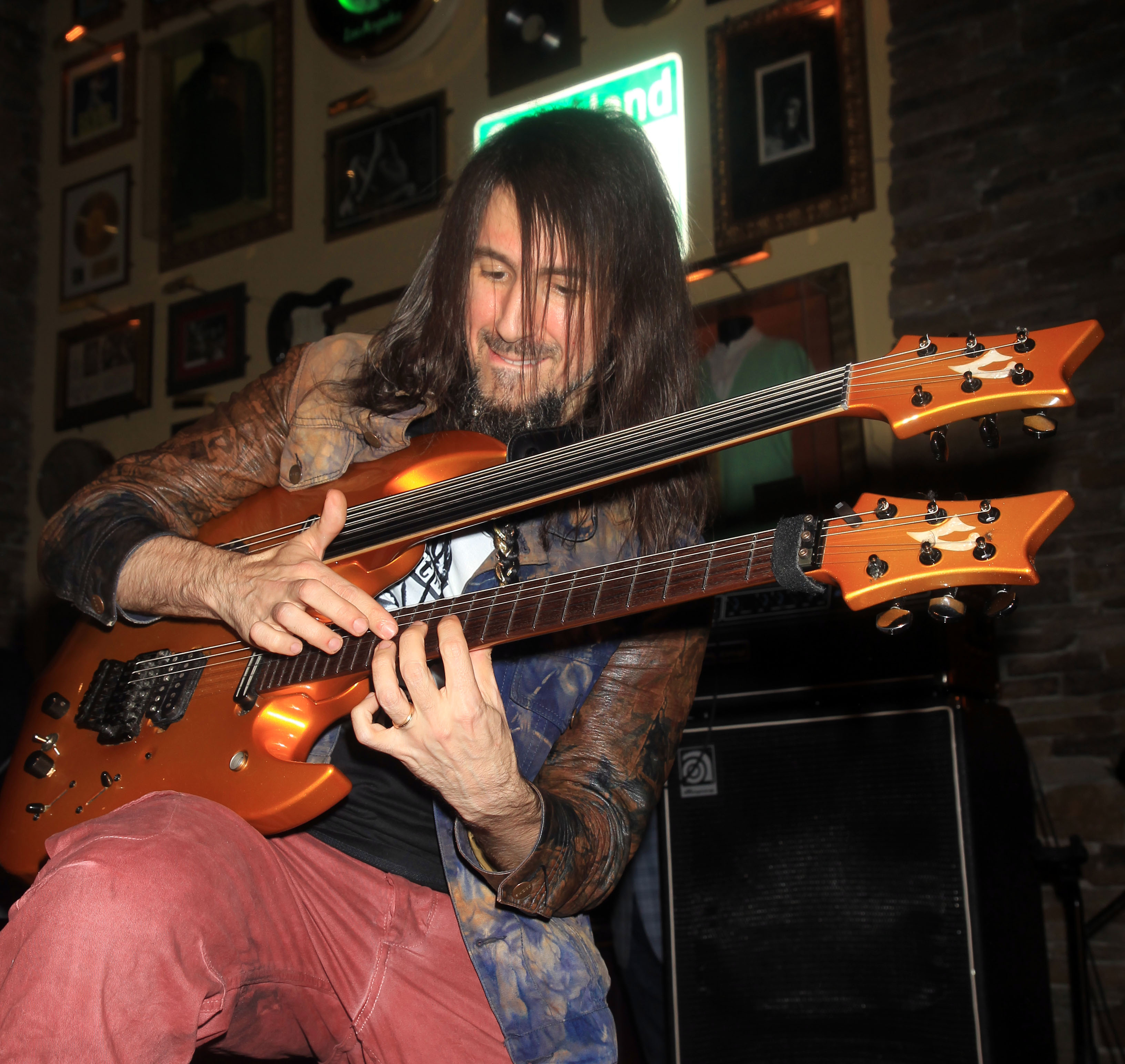MASHANTUCKET, CT - JANUARY 18:  Ron 'Bumblefoot' Thal guitarist for Gun's & Roses one of the coaches at the 'Rock & R